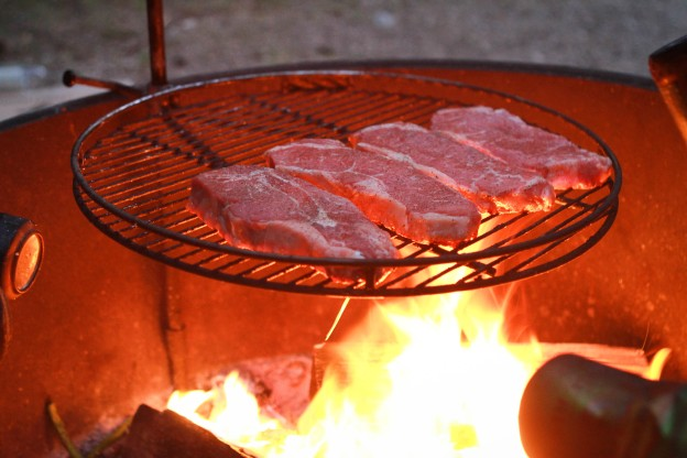 steaks perfect campfire grill