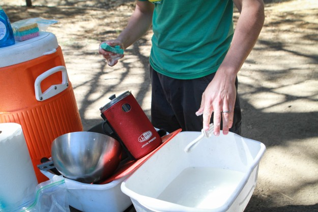 camping washing dishes
